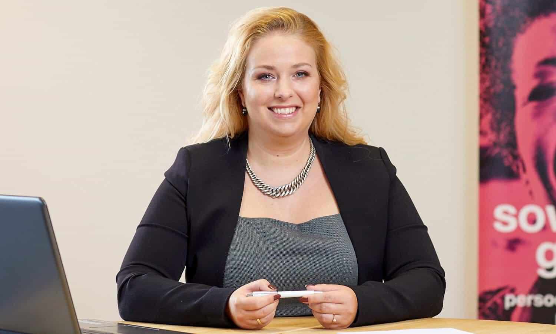 Joyce Maaten financieel coach Finzie