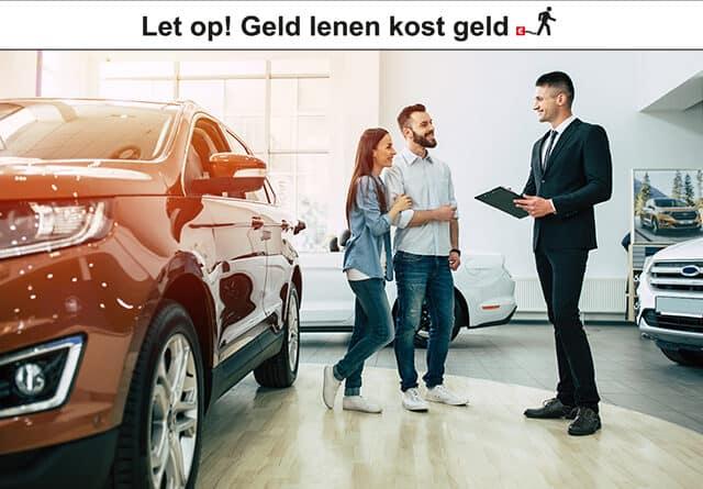 Jong stel koopt een auto