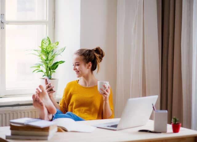 Jonge dame denkt na over studieschuld verzwijgen